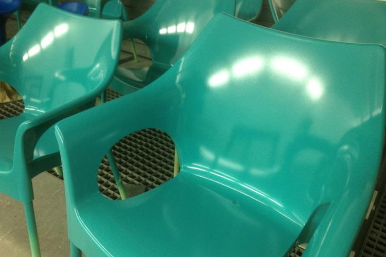 Kunststofflackierung Stuhl